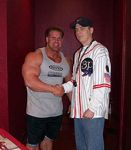 Bodybuilding champion Jay Cutler crushes RotoRob writer James Morris' hand.