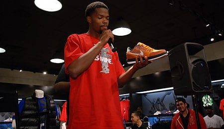 Aaron Brooks has joined the Phoenix Suns.