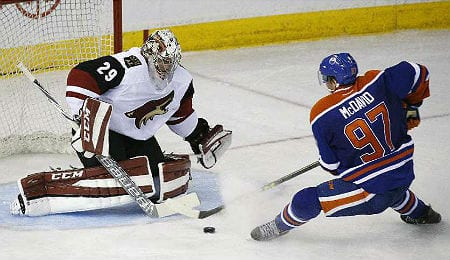 Anders Lindback is the new backup for the Phoenix Coyotes.